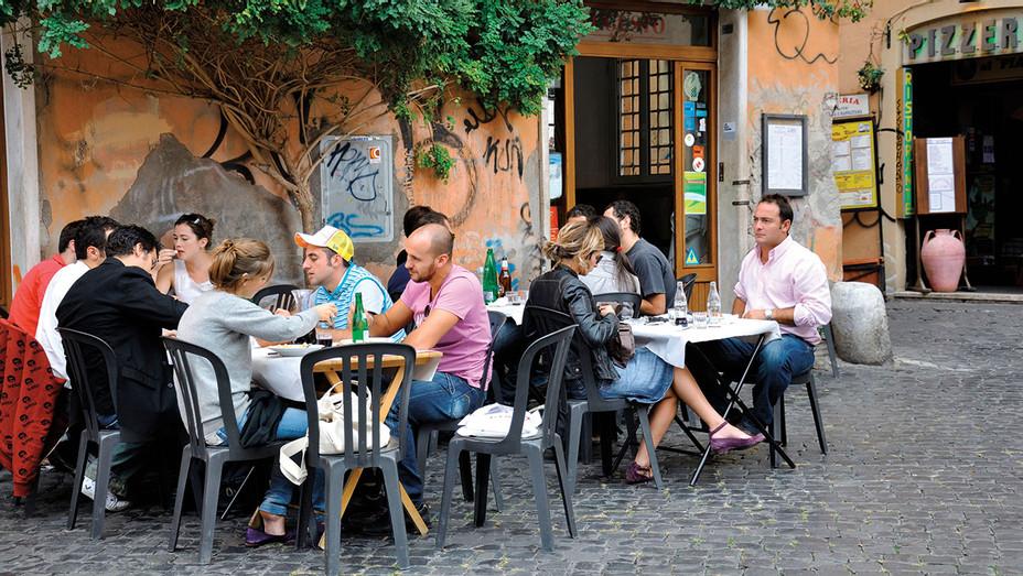 Alfresco dining at Trattoria da Augusto -ALAMY STOCK PHOTO - One - Time -Use - H 2016