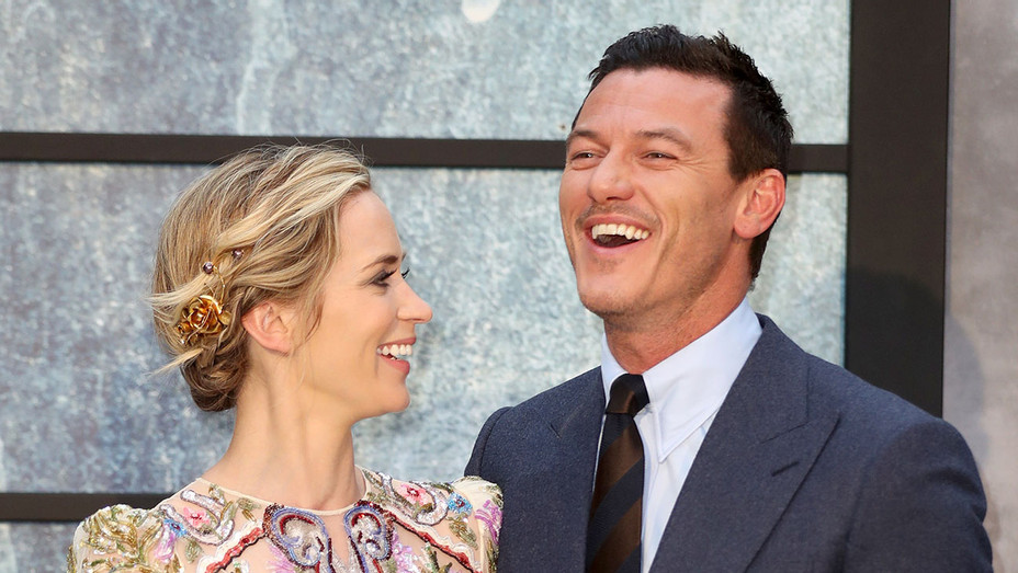 Emily Blunt Luke Evans - Girl On The Train Premiere - H - 2016