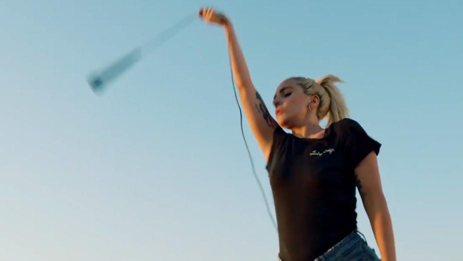 Gaga Perfect Illusion grab - H