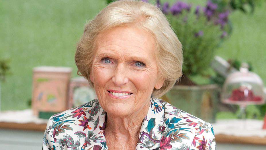 The Great British Bake Off: 5 - Love Productions 2014 - Mary Berry - Publicity - H 2016