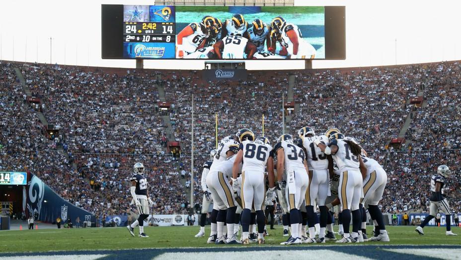 Rams LA Coliseum - H - 2016