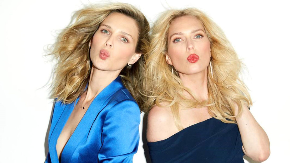 SMASHBOX COSMETICS PARTNERS WITH SARA AND ERIN FOSTER - Publicity - H 2016