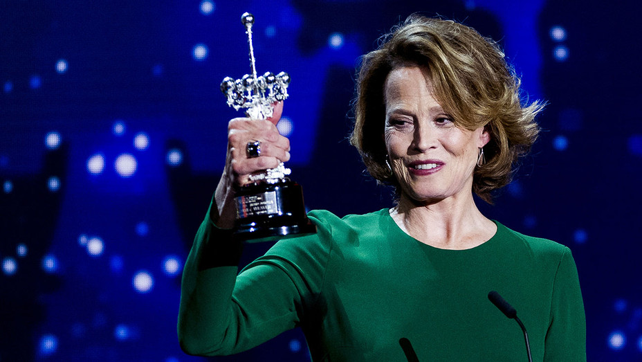 Sigourney Weaver_Donostia Award - Getty - H 2016