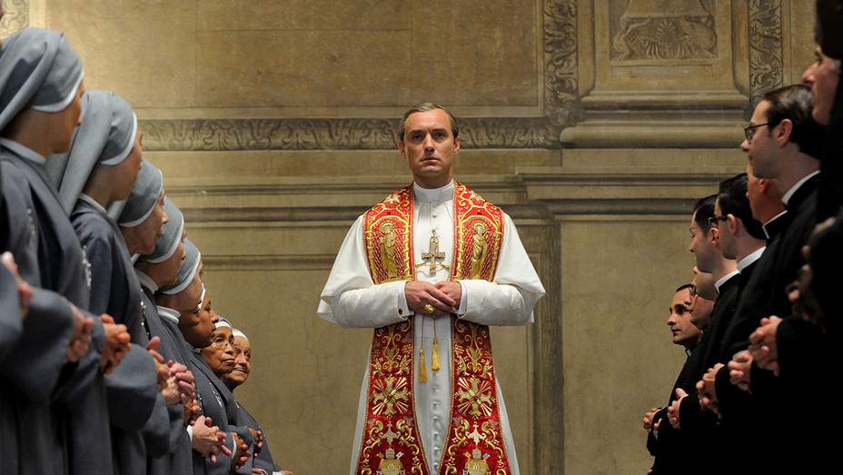 The Young Pope -Jude Law-Still 2 - H 2016