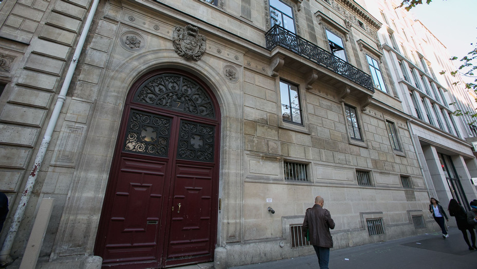 Paris Apartment Where Kim Kardashian Robbed - H Getty 2016