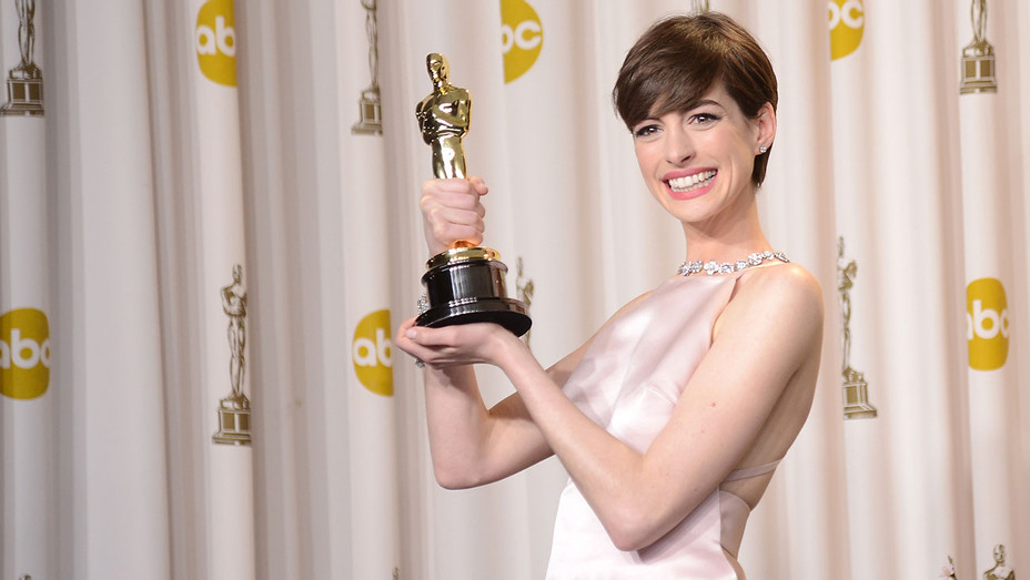 Anne Hathaway - 85th Annual Academy Awards - H - 2016