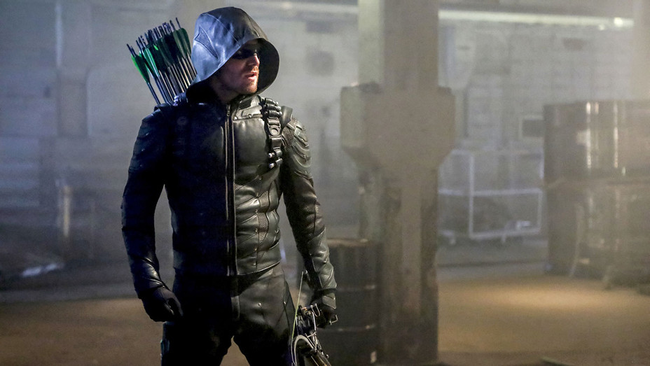 Arrow - Stephen Amell -Still - H - 2016