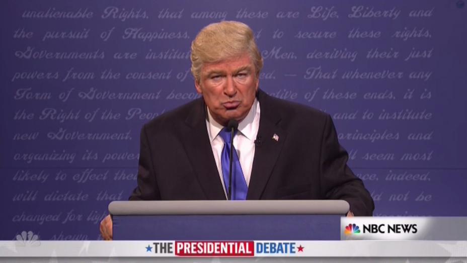 Alec Baldwin as Donald Trump on SNL - H 2016