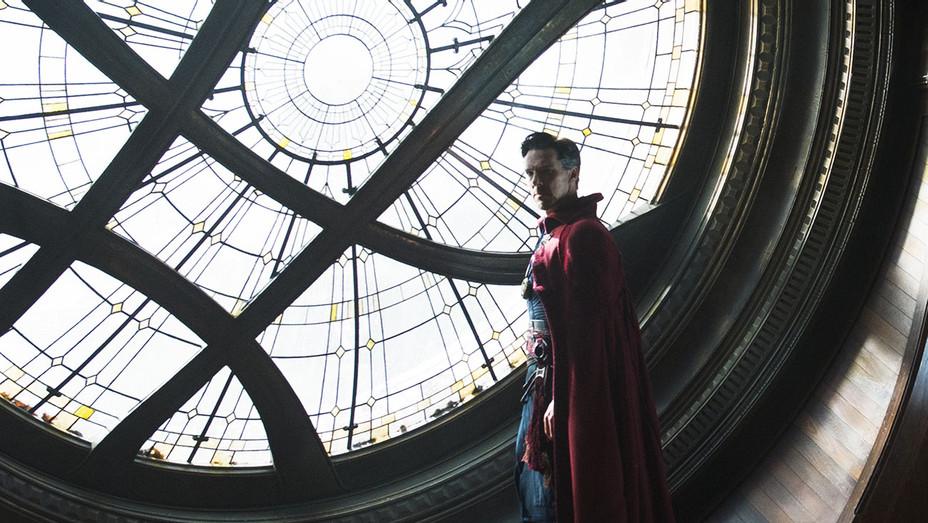 Marvel's DOCTOR STRANGE - Still 4- Benedict Cumberbatch - H 2016