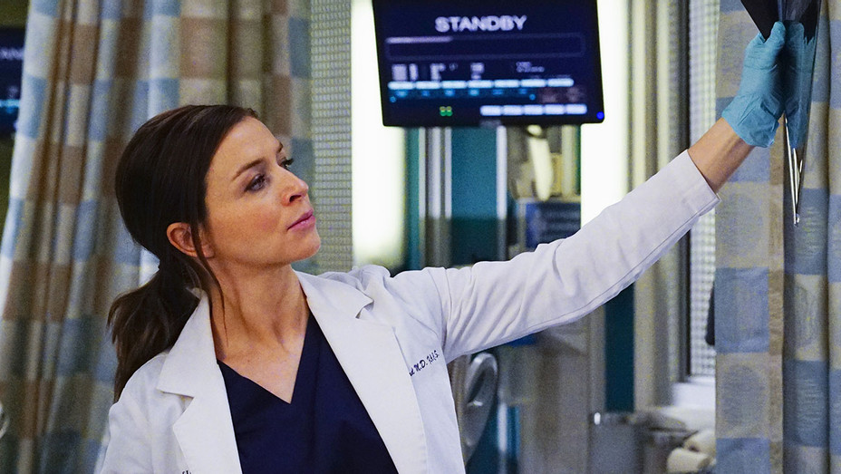 GREY'S ANATOMY - I Ain't No Miracle Worker-CATERINA SCORSONE-OCTOBER 6 -H 2016