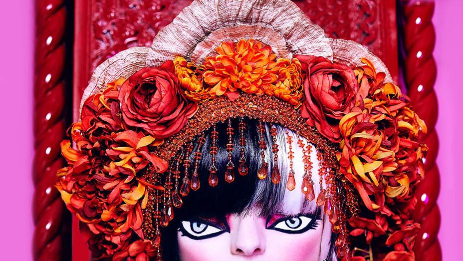 Halloween Makeup Look Doll Eyes - Publicity - P 2016