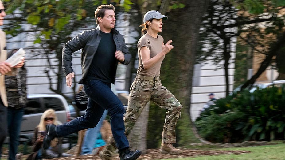 Jack Reacher- Never Go Back - Still 1 - Tom Cruise Cobie Smulders - H - 2016