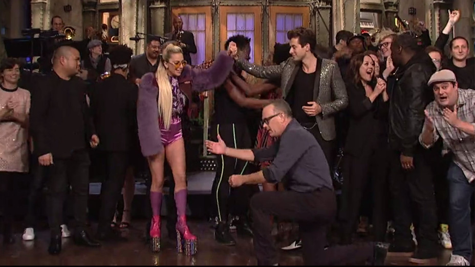 Lady Gaga SNL - Screenshot -MAIN