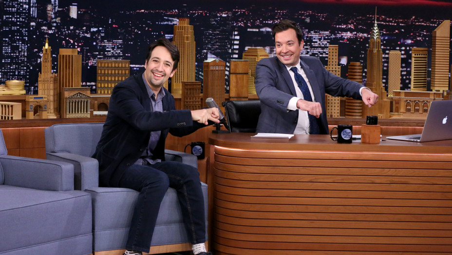 Lin-Manuel Miranda on Tonight Show - Publicity - H 2016