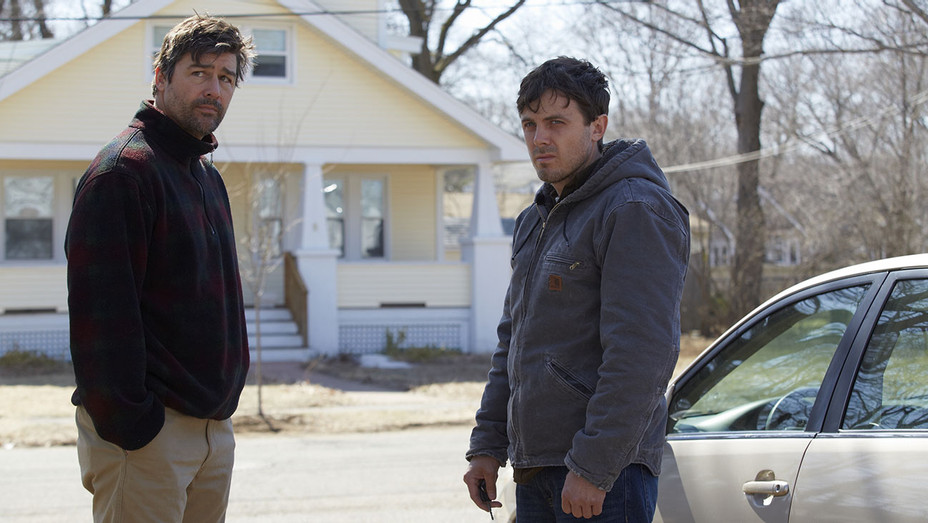 Manchester By The Sea 5 - Kyle Chandler Casey Affleck - Still - H - 2016