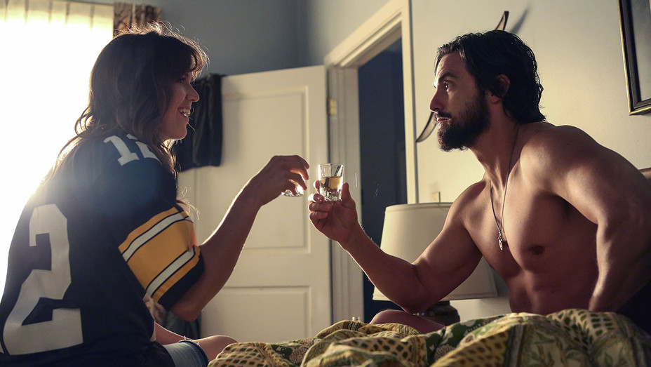 THIS IS US - The Game Plan -Episode 105 -  Mandy Moore and Milo Ventimiglia- H 2016