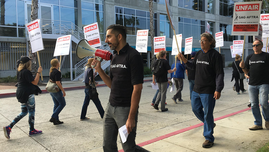 SAG-AFTRA Video Game Strike - H - 2016