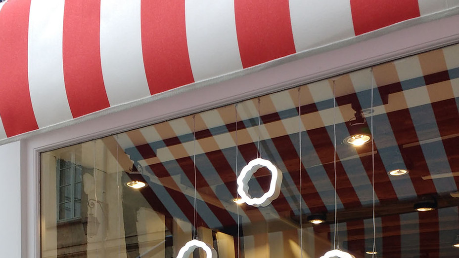 scarjo's popcorn shop story - 2 - P - 2016