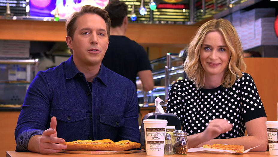 SNL Host Emily Blunt and Beck Split a Large Pepperoni - Screen shot -H 2016