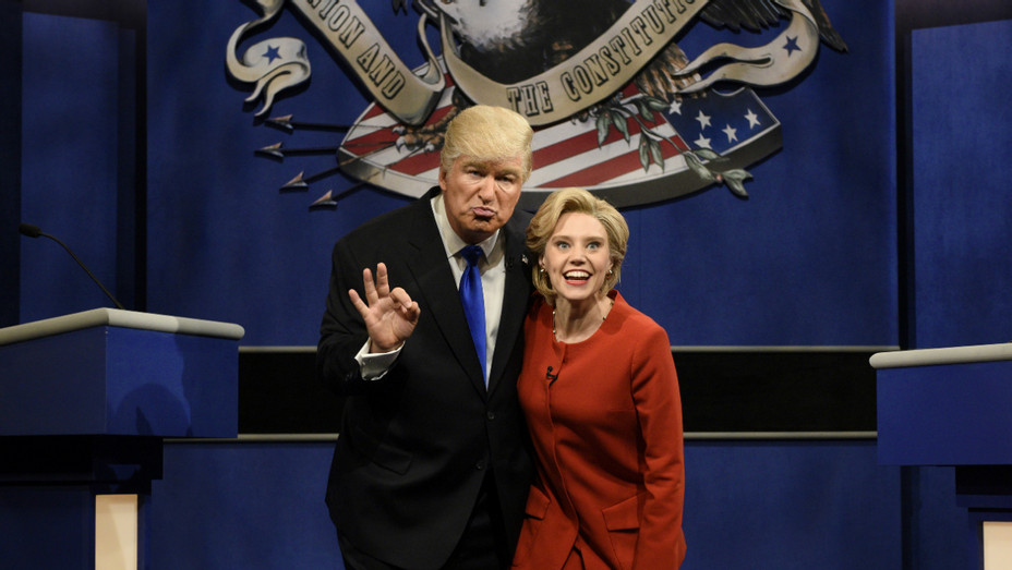 Alec Baldwin, Kate McKinnon on SNL - Publicity - H 2016