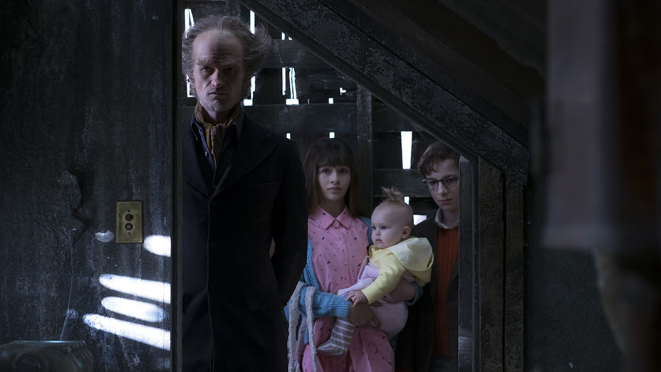 A Series Of Unfortunate Events 1 - Still - embed - 2016
