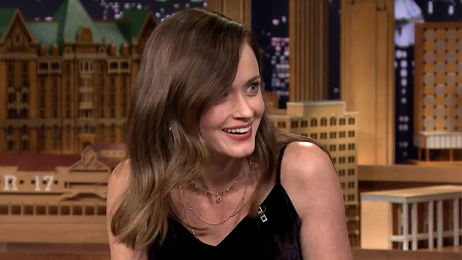 Alexis Bledel Ranks Her Top Four Gilmore Girls Characters -Screen Shot- H 2016
