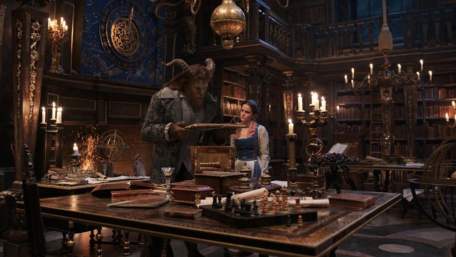 Beauty And The Beast 1 - Dan Stevens Emma Watson - Still - H - 2016