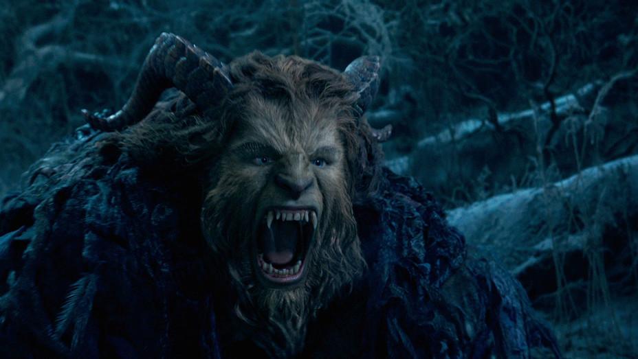 Beauty And The Beast 5 - Dan Stevens - Still - H - 2016