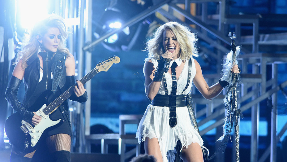 Carrie Underwood performs onstage CMAs - Getty - H 2016
