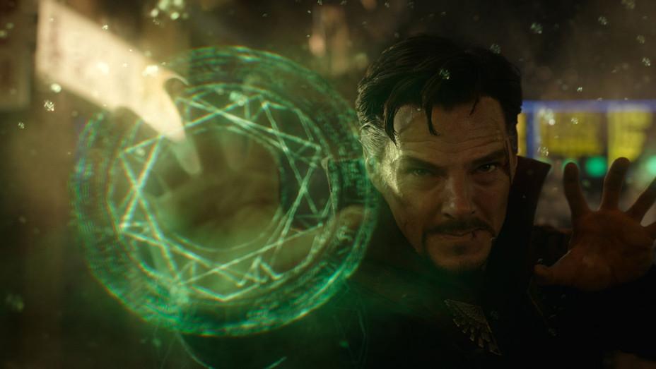 Doctor Strange Still 8 - Publicity - H 2016