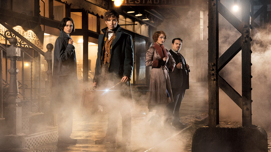 FANTASTIC BEASTS AND WHERE TO FIND THEM Still 6 - Publicity - H 2016