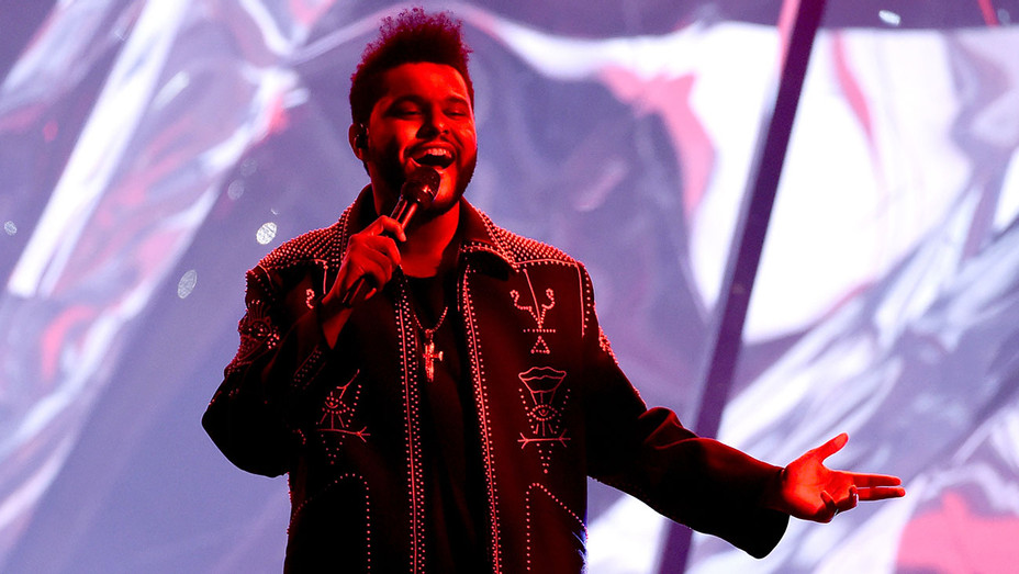 The Weeknd - 2016 American Music Awards -Getty -H 2016