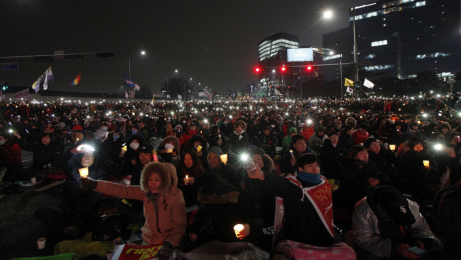 Protesters gathered - rally against South Korean President Park Geun-hye -Getty- H 2016