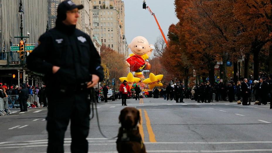 Macy Thanksgiving - H - 2016