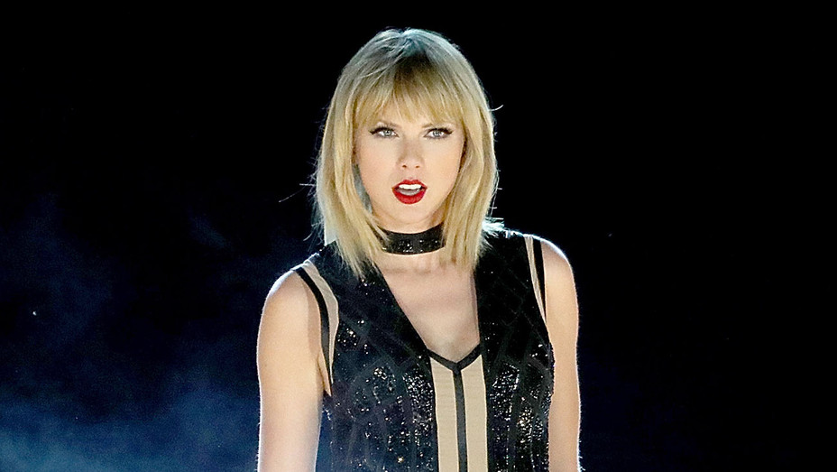 Taylor Swift Performs At Circuit Of The Americas - Getty - H - 2016