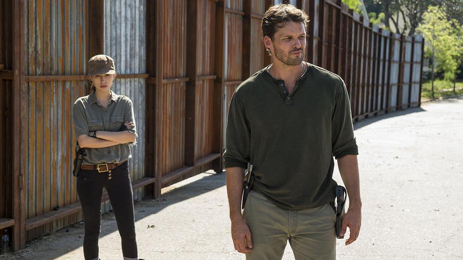 Walking Dead - Austin Nichols - Christian Serratos - Still - S07 E04 - H - 2016