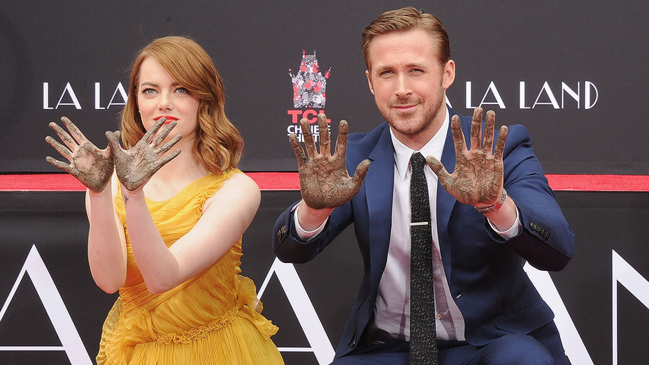 Emma Stone Ryan Gosling Hand Foot Ceremony - H - 2016