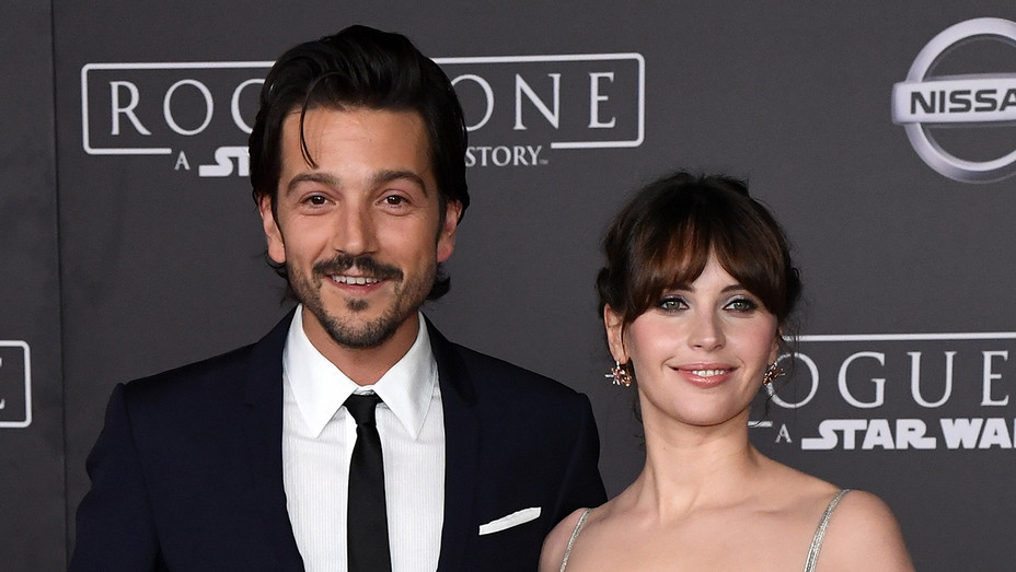 Diego Luna Felicity Jones Rogue One Premiere - H 2016