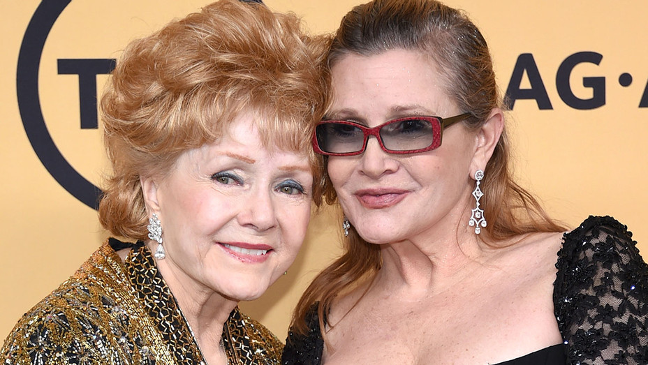 Debbie Reynolds and Carrie Fisher at 21st Annual Screen Actors Guild Awards - Getty-H 2016