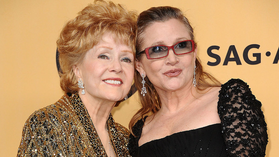 Debbie Reynolds and Carrie Fisher -21st annual Screen Actors Guild Awards- Getty-H 2016
