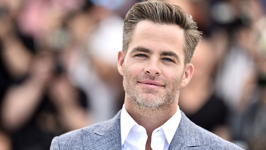 """Chris Pine- """"Hell Or High Water - Cannes Film Festival -Getty-H 2016"""