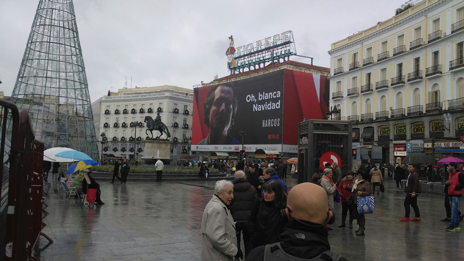 Narcos Poster in Madrid - H - 2016