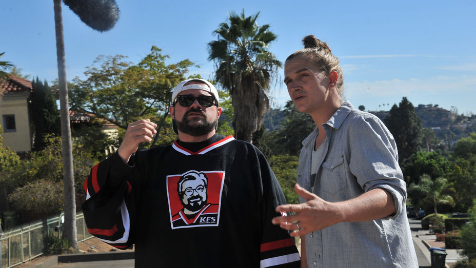 Kevin Smith and Jason Mewes on set of 'The Madness in the Method'