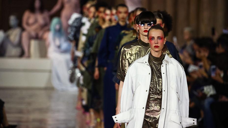 Kenzo show_Paris Fashion Week - Getty - H 2016