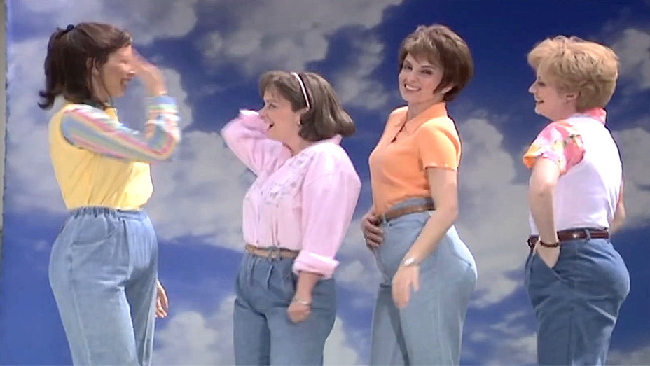 Mom Jeans Support  Saturday Night Live - Screen shot-H 2016