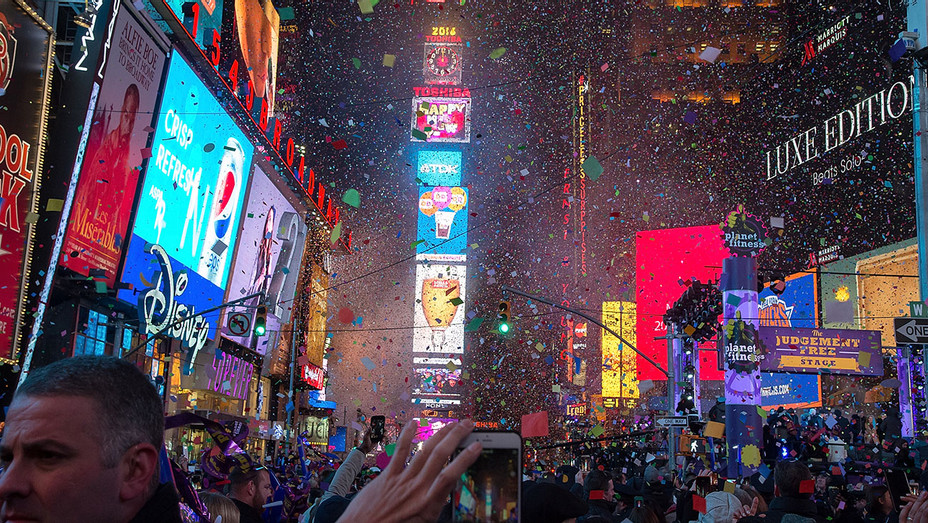 New Years Eve 2016 Ball Drop - Getty - H 2016