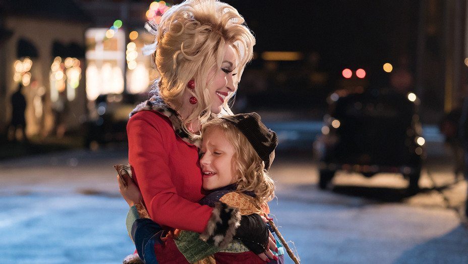 DOLLY PARTON'S CHRISTMAS OF MANY COLORS: CIRCLE OF LOVE- Publicity-H 2016
