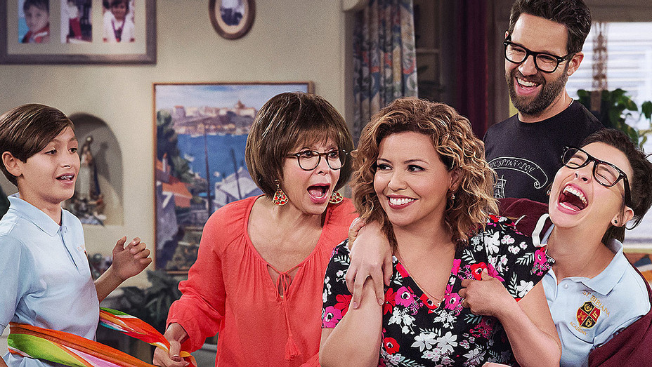 ONE DAY AT A TIME - KEY ART - Netflix-H 2016