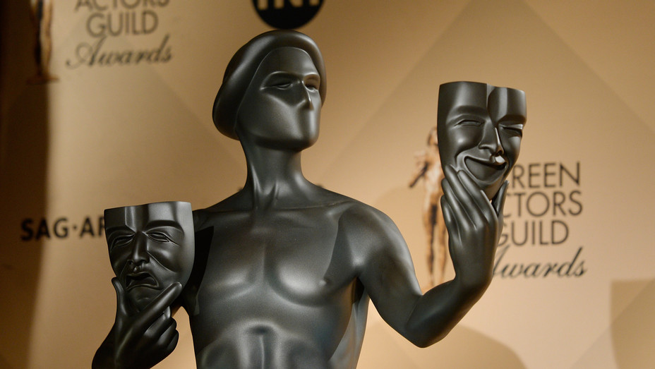 SAG Awards Statuette - H Getty 2016