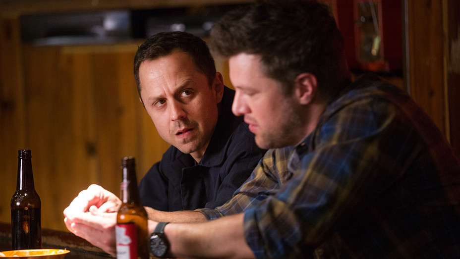 New and Returning Shows for 2017  -Sneaky Pete - giovanni ribisi - H 2016
